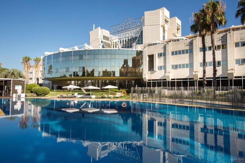 Гостиница Hotel Silken Al-Andalus Palace