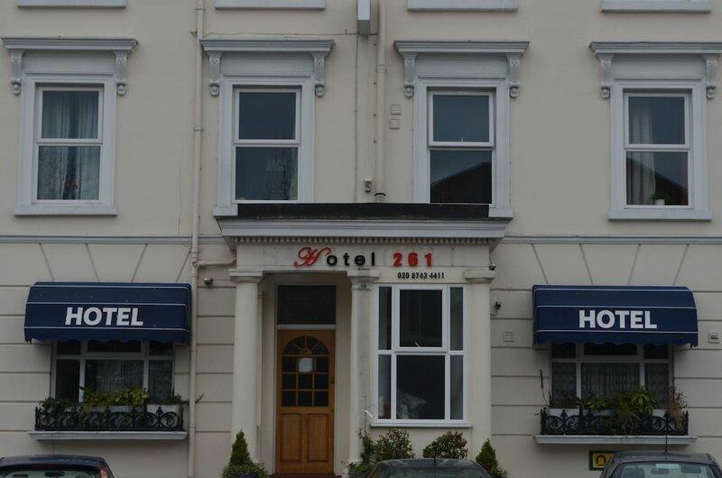 Hotel 261