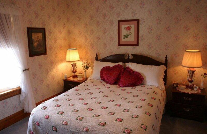 10th Avenue Guest House & Suites