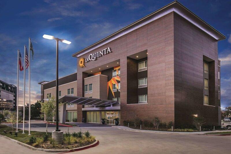 La Quinta Inn & Suites by Wyndham Dallas - Richardson