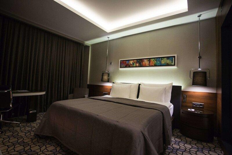 Royal Stay Palace Hotel