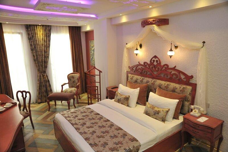 Отель Ayna