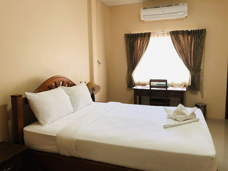 Khao-Sok Bed and Breakfast