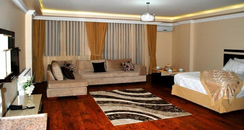 Diamond Suite & Residence