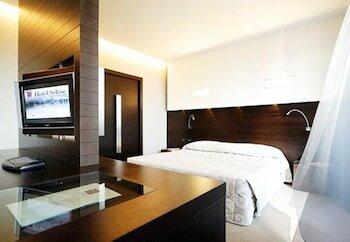 IH Hotels Pomezia Selene