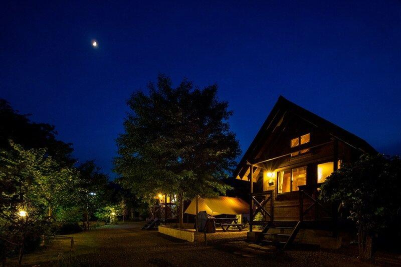 Asian Resort Camp Tapa