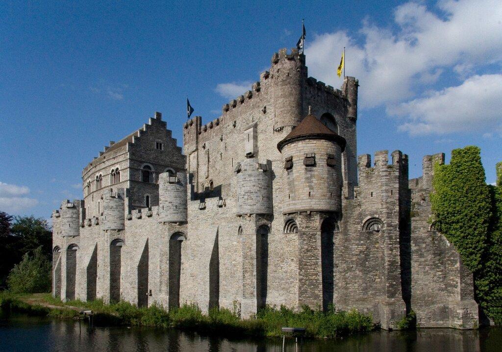 назвать фотографии замков средневековья яблоки крупные