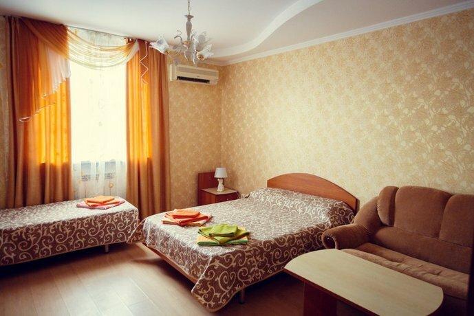 Отель София