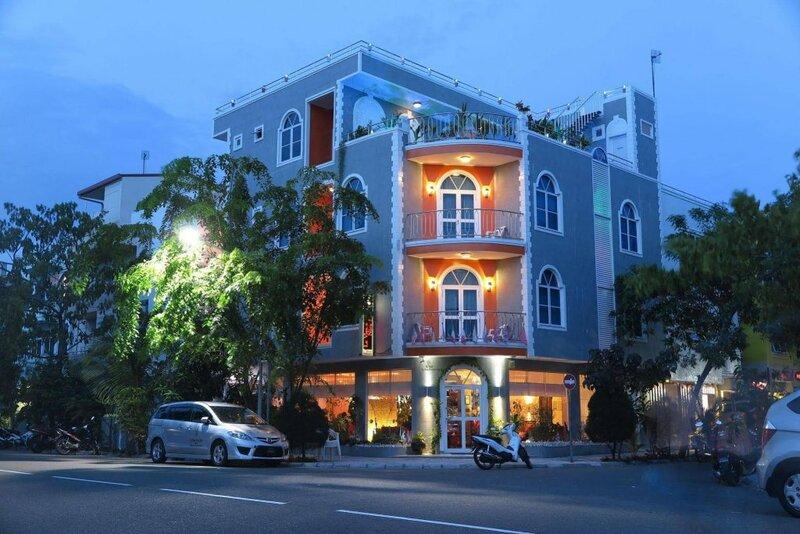 Le Vieux Nice Inn