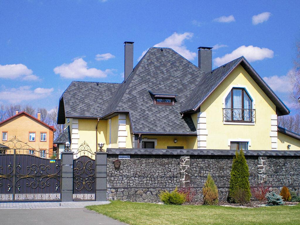 сочетание цветов крыши и фасада дома фото каждого драгоценного камня