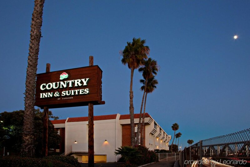 Country Inn & Suites by Carlson Ventura