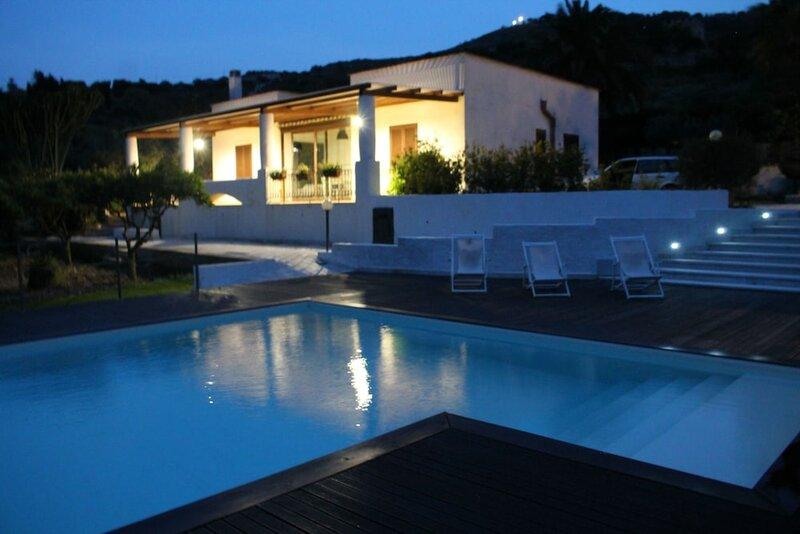 Villa Maria Con Piscina E Vista Mare