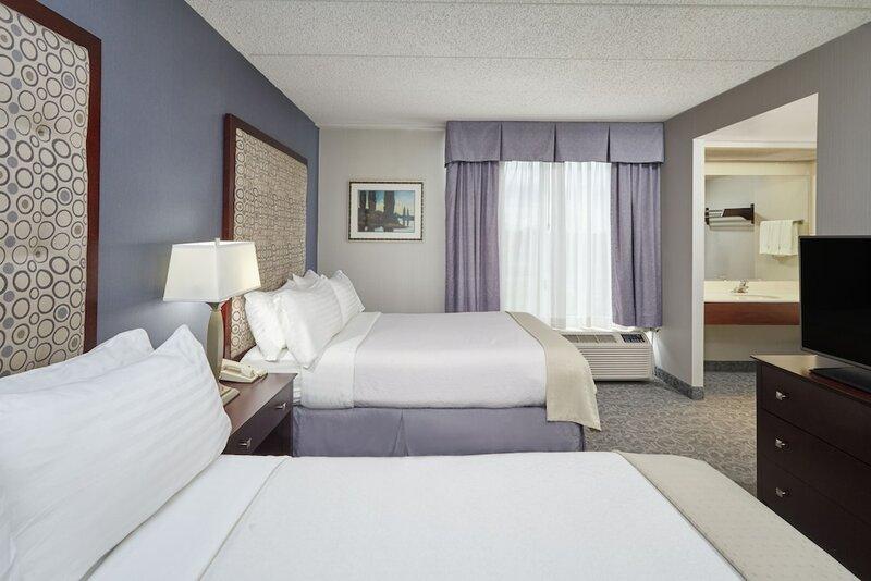 Holiday Inn Hotel & Suites Chicago-Carol Stream