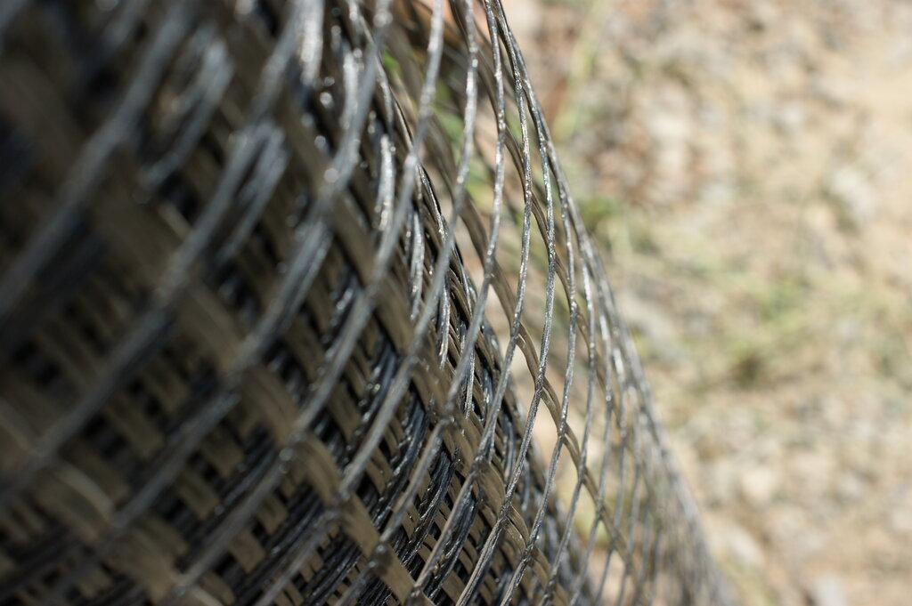 Забор из колес фото традиция положила