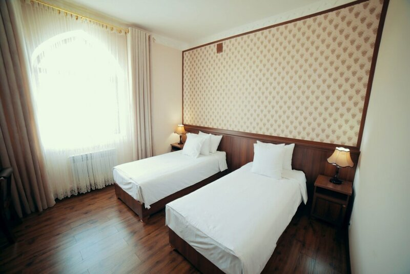 Отель Erkin Palace
