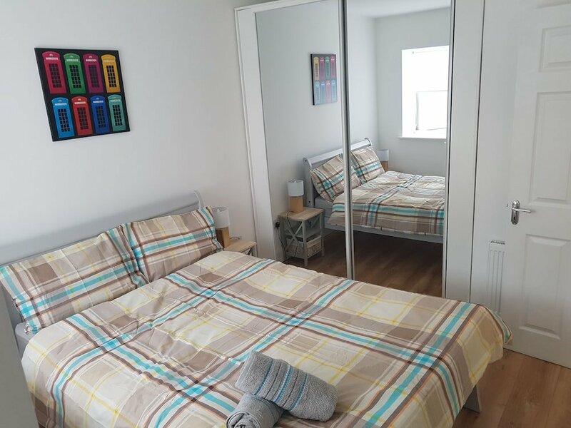 Four bed comfy house cork suit 7 guest