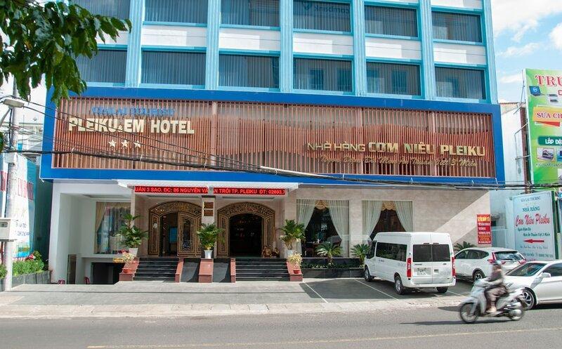 7s Hotel Pleiku & Em
