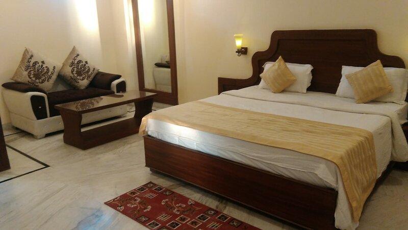 Hotel Khajuraho Temple View