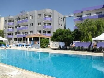 Valana Hotel Apartments
