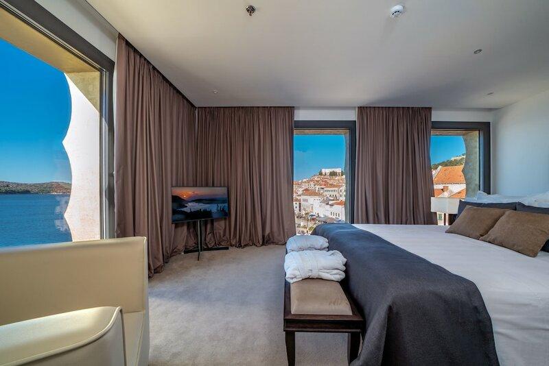 Bellevue superior city hotel