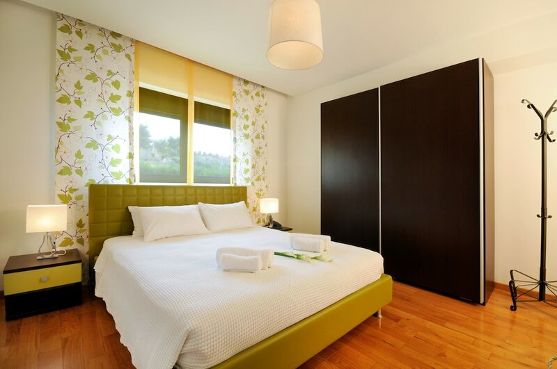 Polyastron Place Hotel & SPA