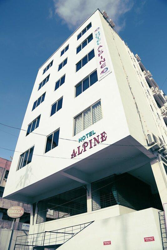 Oyo 671 Hotel Alpine