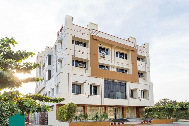 Oyo 25042 Vikramaditya Hotel