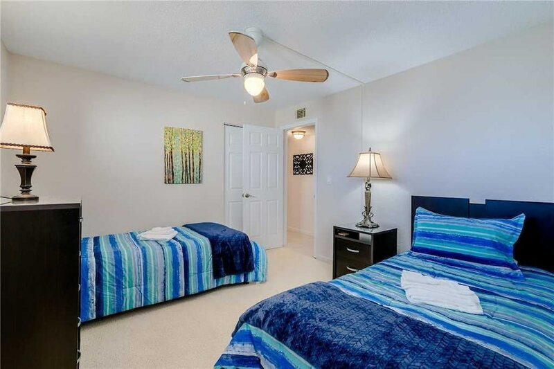 Harbor Light Towers 803 - Two Bedroom Condo