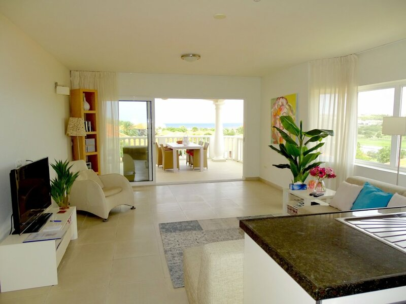 Luxe Apt40 with Ocean view at Blue Bay Resort
