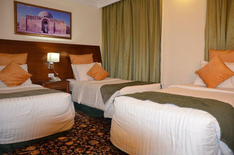 Отель Amra Palace International