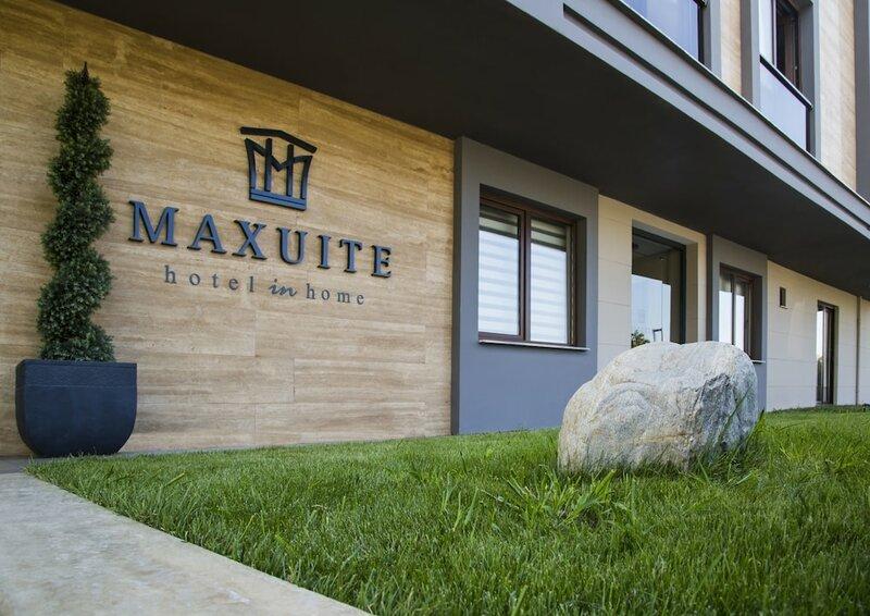 Maxuite Hotel
