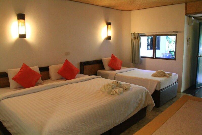 The Hub Erawan Resort