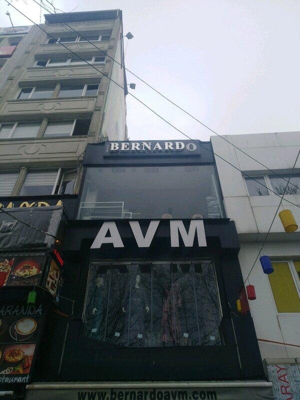 Bernardo Apart