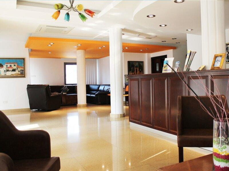Отель Rebioz