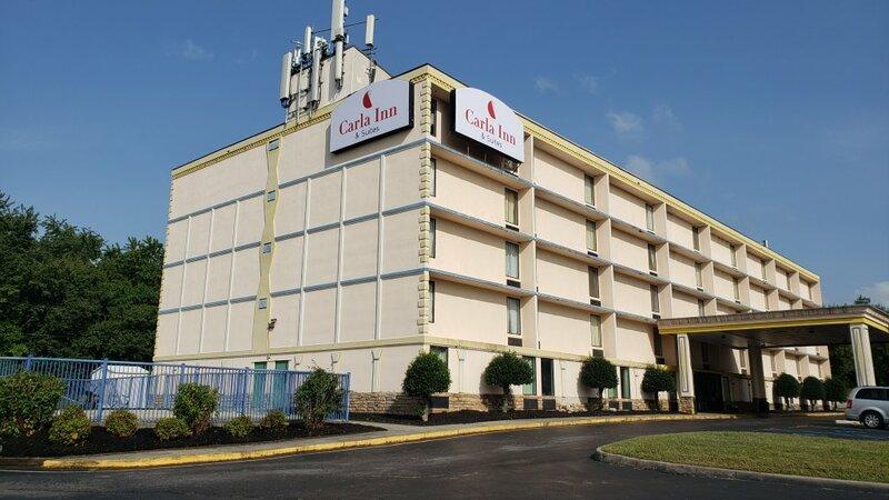 Отель Carla Inn&Suites Roanoke Airport