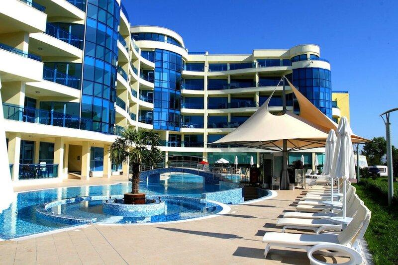 Апартотель Marina Holiday Club