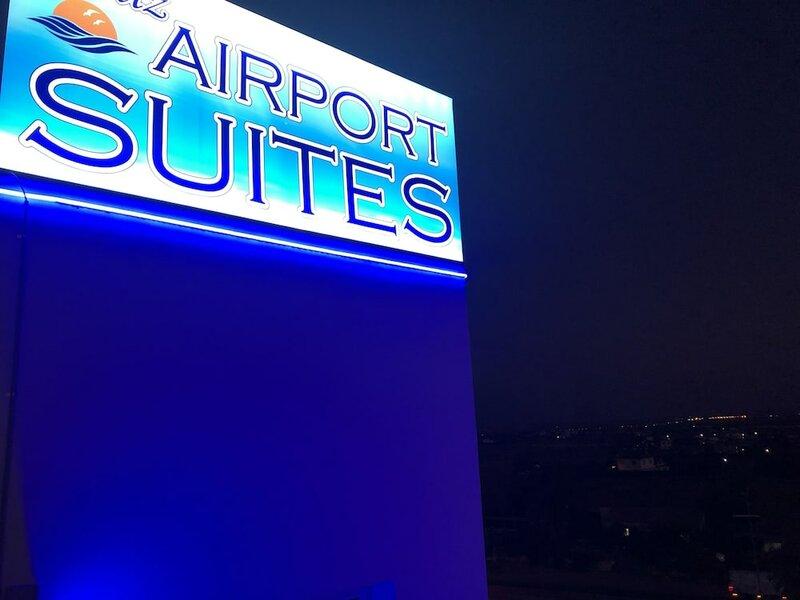 Deniz Airport Suites