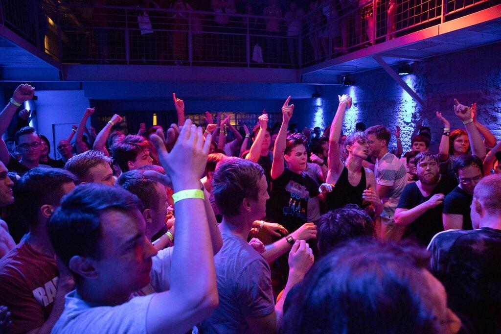 Ночной клуб москвы фабрик опрос об ночных клубов