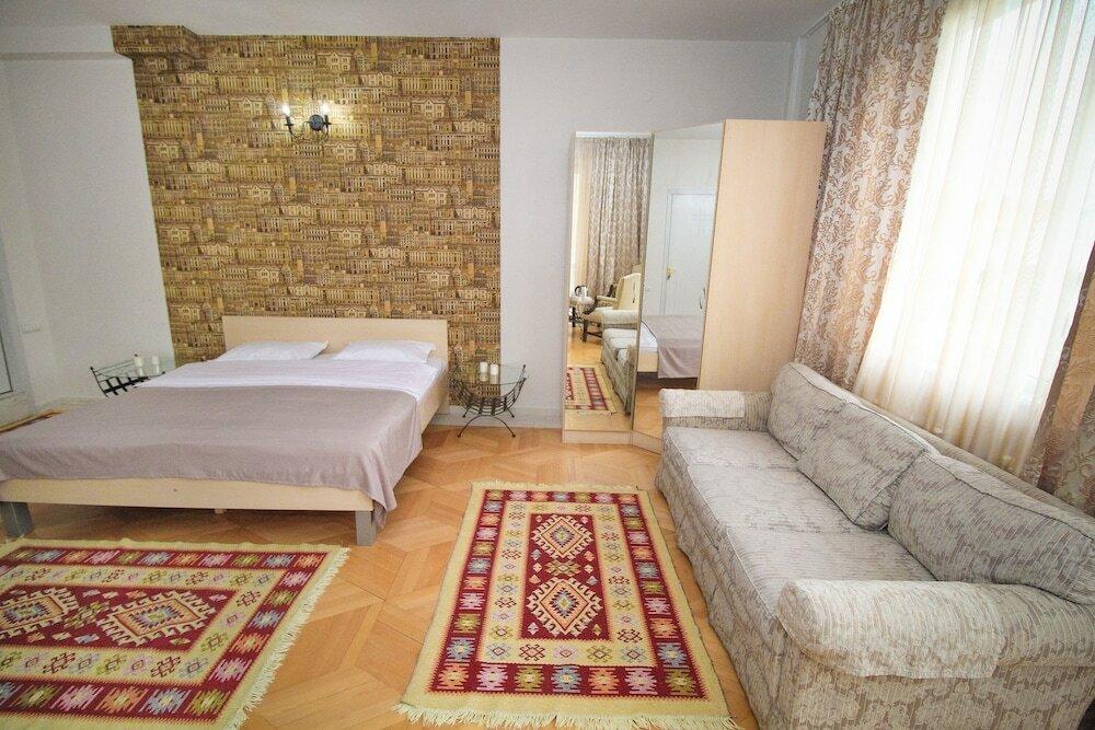 гостиница — Metekhi Gallery — Тбилиси, фото №1