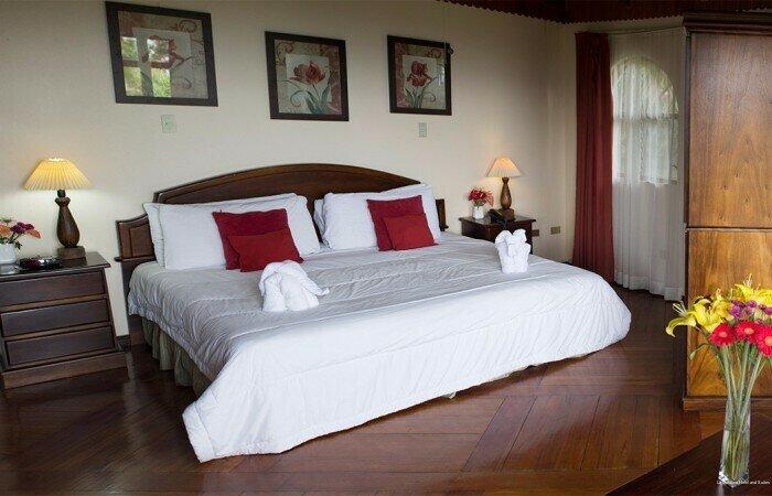 La Catalina Hotel and Suites
