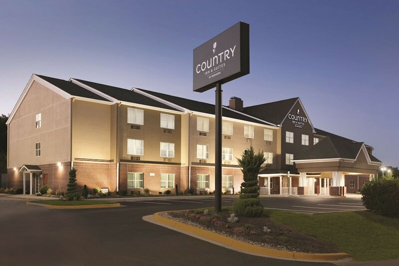 Country Inn & Suites by Radisson, Washington, D. C. East - Capitol Heights, Md