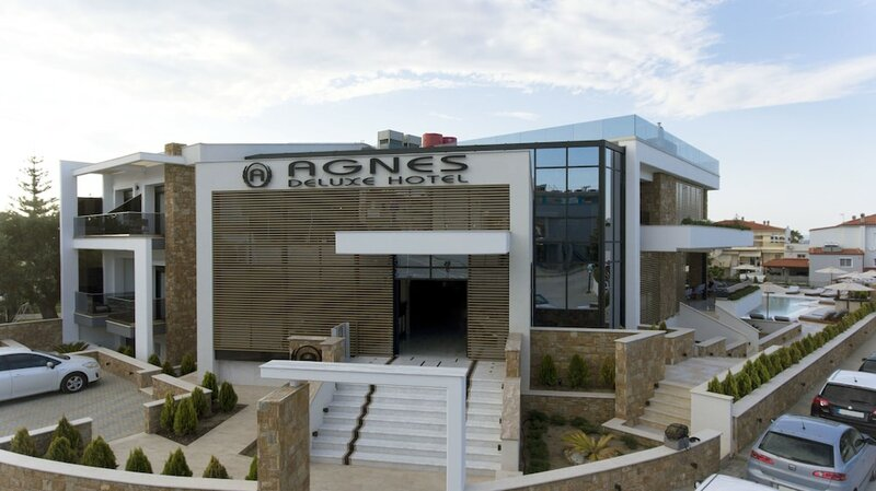 Отель Agnes Deluxe