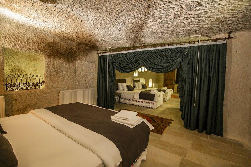 Отель Saddle Cave