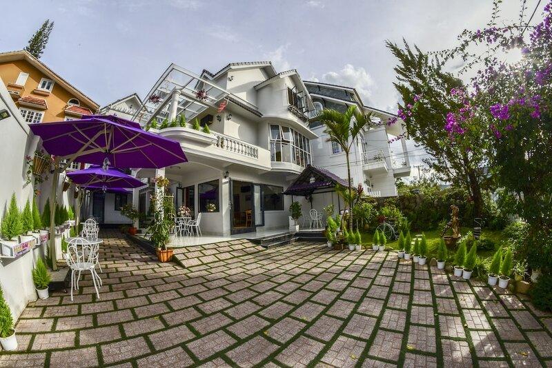 Hoa Nang Hotel
