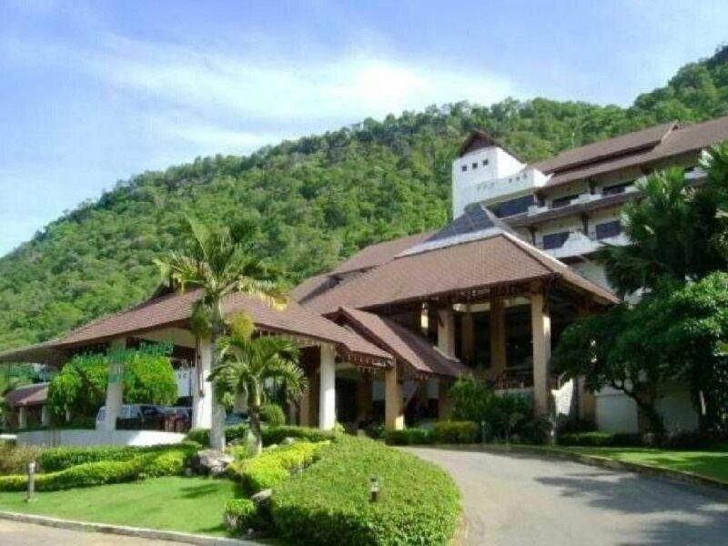 Mandarin Golden Valley Resort