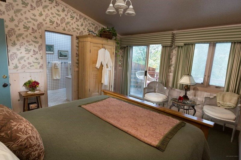 Country Willows Bed & Breakfast Inn