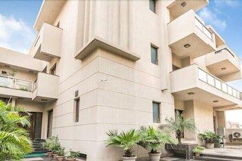 Hotel Amazone Residency - Dlf Phase 3