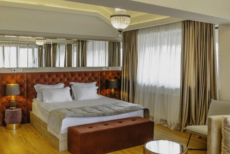 Отель Seventeen Rooms