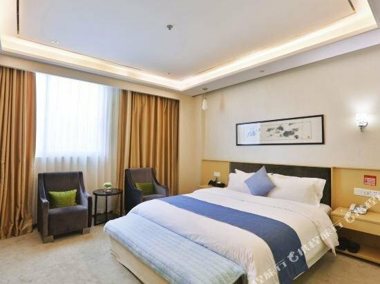 Shenzhen Huadingsheng Hotel