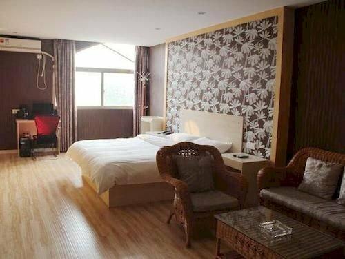 Yueke Xingting Chain Hotel